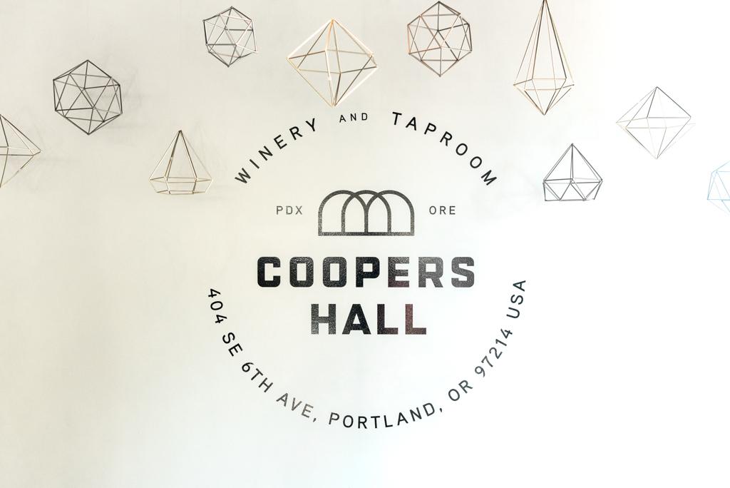 Modern_Coopers_Hall_ Wedding__Lauryn_Kay_Photography-10-11