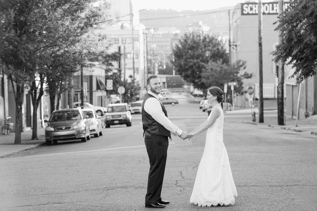 Modern_Coopers_Hall_ Wedding__Lauryn_Kay_Photography-10-7