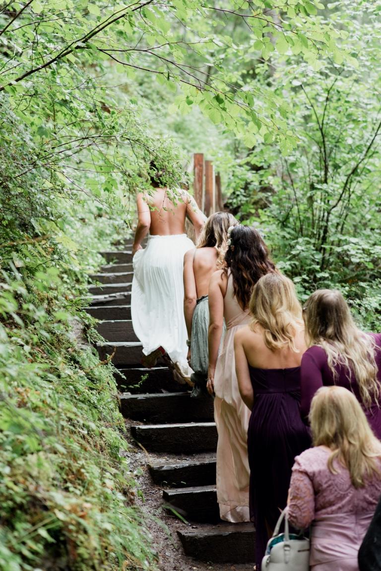 Oregon_Waterfall_Elopement_Wedding_Lauryn_Kay_Photography (1 of 2)